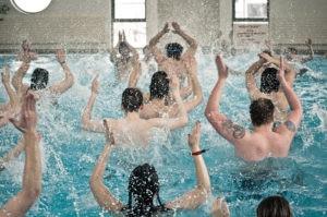 Séance de sport en piscine